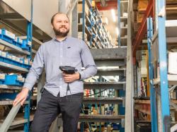 Effizientere Service- und Lagerprozesse in Werkstätten mit Panasonic Hardware-/Software-Lösung